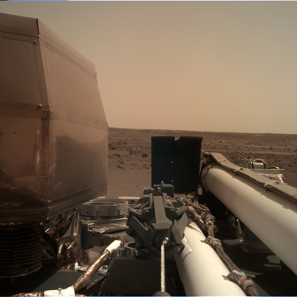 _mars.nasa.gov_insight-raw-images_surface_sol_0004_idc_D000M0004_596887031EDR_F0000_0542M_